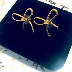 💋Oh-So-Pretty Gold Wire Wrap Knotted Bow Earrings